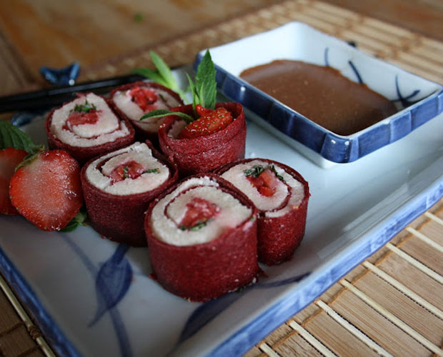 sushis dessert la fraise cuir de fruit de fraise recette. Black Bedroom Furniture Sets. Home Design Ideas